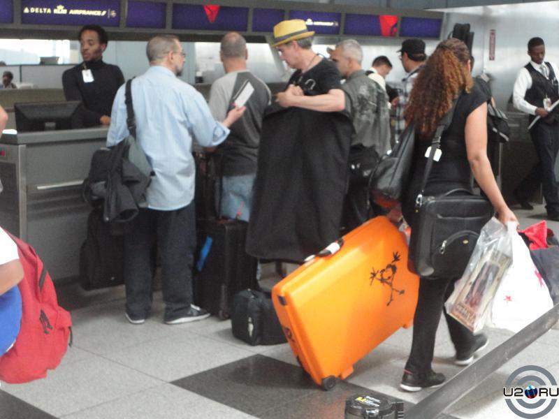 тот же U2-чемодан, вид сбоку