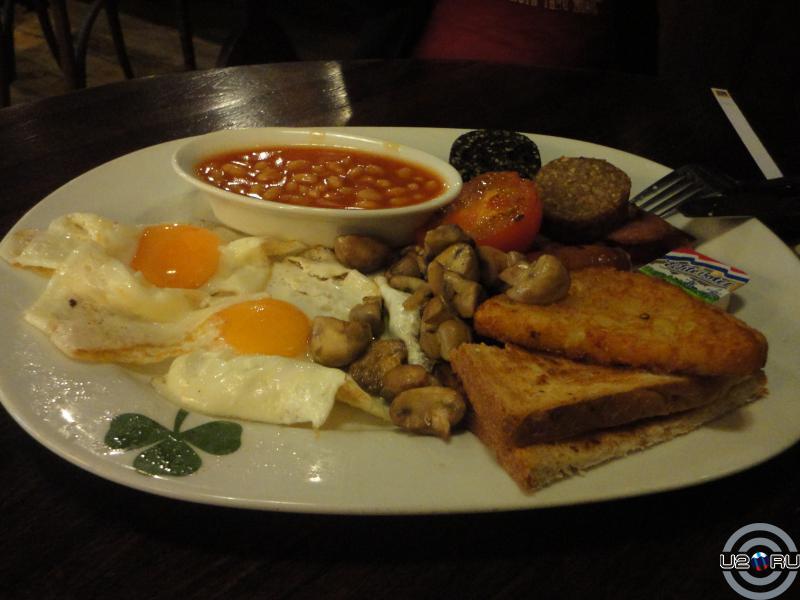 спасительный ирландский завтрак в аэропорту Амстердама
