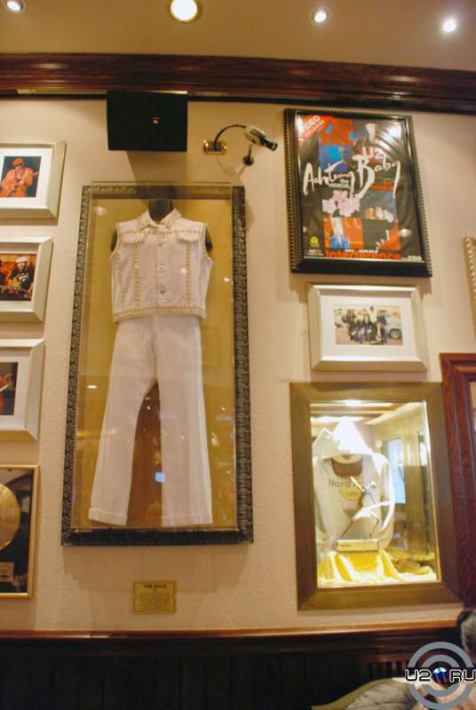 U2 в Hard Rock Cafe Rome
