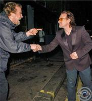 Bono & admirer